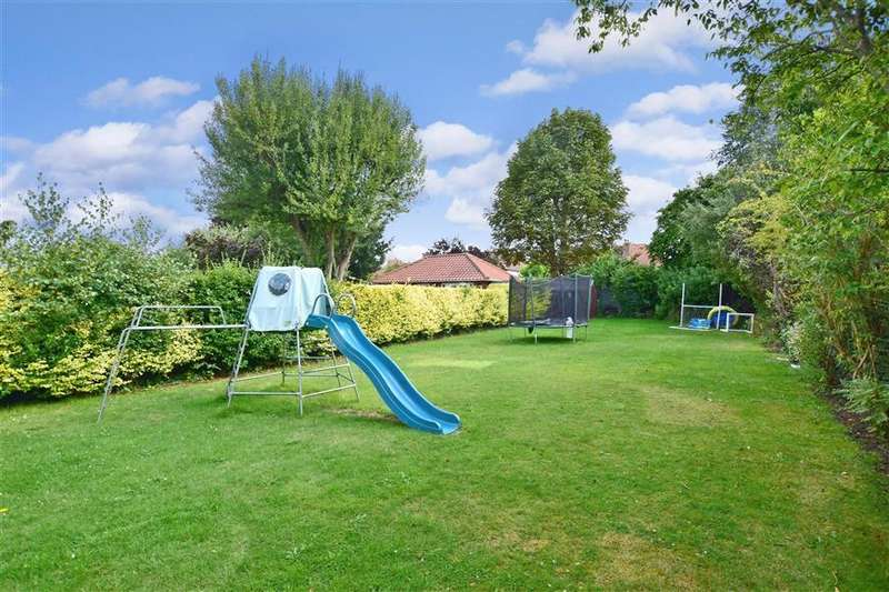 4 Bedrooms Semi Detached House for sale in Kingscroft Road, Leatherhead, Surrey