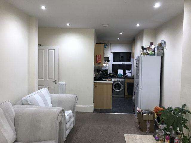 4 Bedrooms Flat for rent in Ditchling Road, Brighton, East Sussex, BN1
