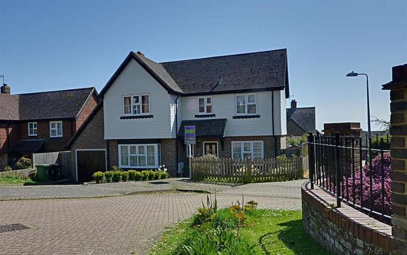 4 Bedrooms Detached House for sale in De Moleyns Close, Bexhill-On-Sea
