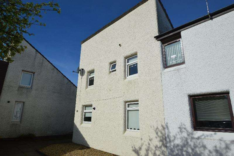 3 Bedrooms Terraced House for sale in Braehead, Irvine, North Ayrshire, KA11 1BE