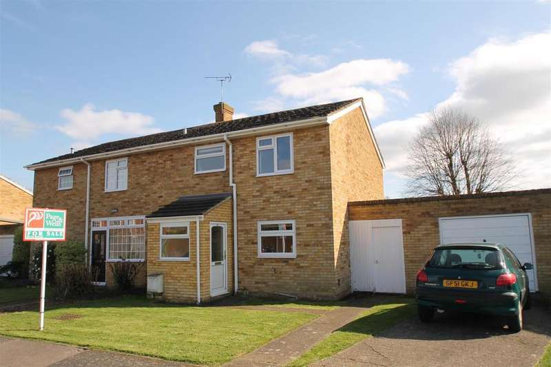 3 Bedrooms Semi Detached House for sale in Goldfinch Close, Larkfield, Aylesford