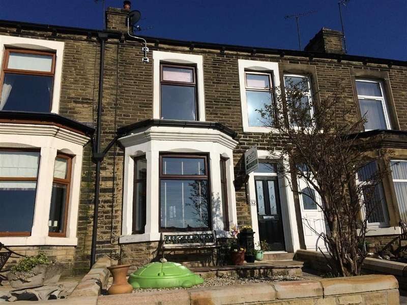 3 Bedrooms Terraced House for sale in Cemetery Road, Earby, Lancashire
