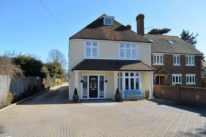 4 Bedrooms Detached House for sale in 7 Bound Lane, Hayling Island