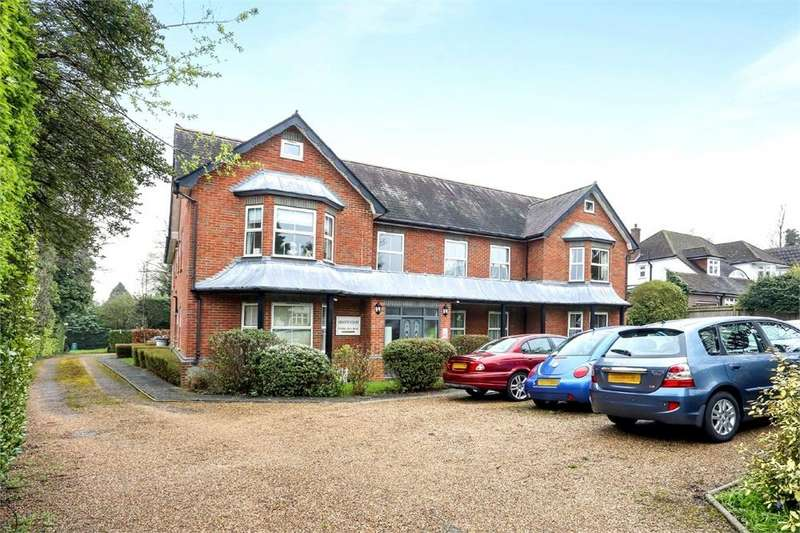 2 Bedrooms Flat for sale in Arianne Court, 55 Park Hill Road, WALLINGTON, Surrey