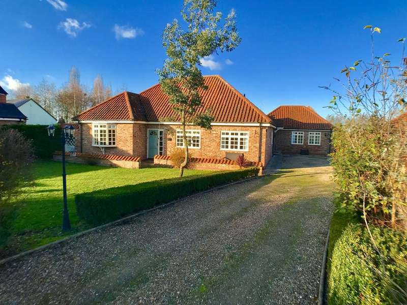 4 Bedrooms Detached Bungalow for sale in Glenside North, West Pinchbeck, PE11