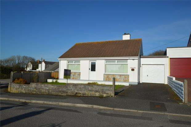 2 Bedrooms Detached Bungalow for sale in Trevere Close, Connor Downs, Hayle, Cornwall