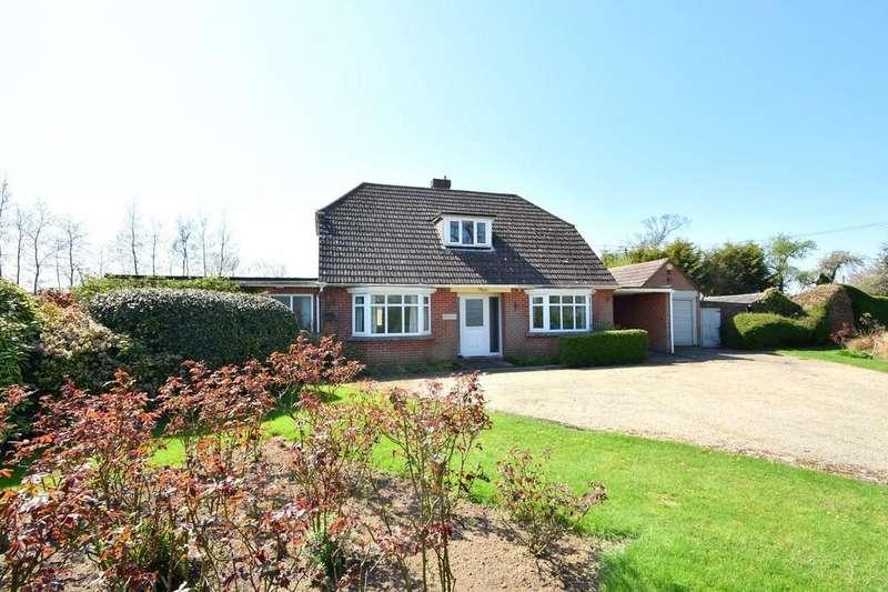 4 Bedrooms Detached House for sale in Elm Lane, Copdock, Ipswich, IP8 3ET