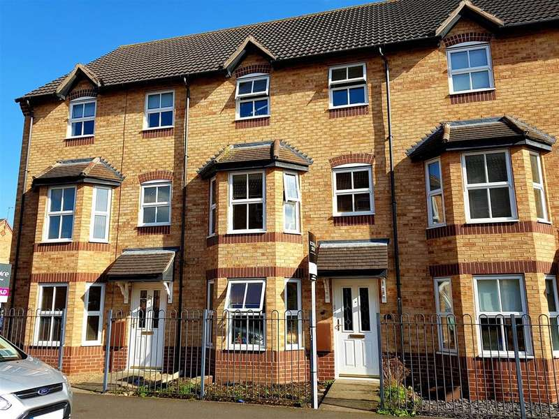 3 Bedrooms Terraced House for sale in Wye Close, Hilton, Derby