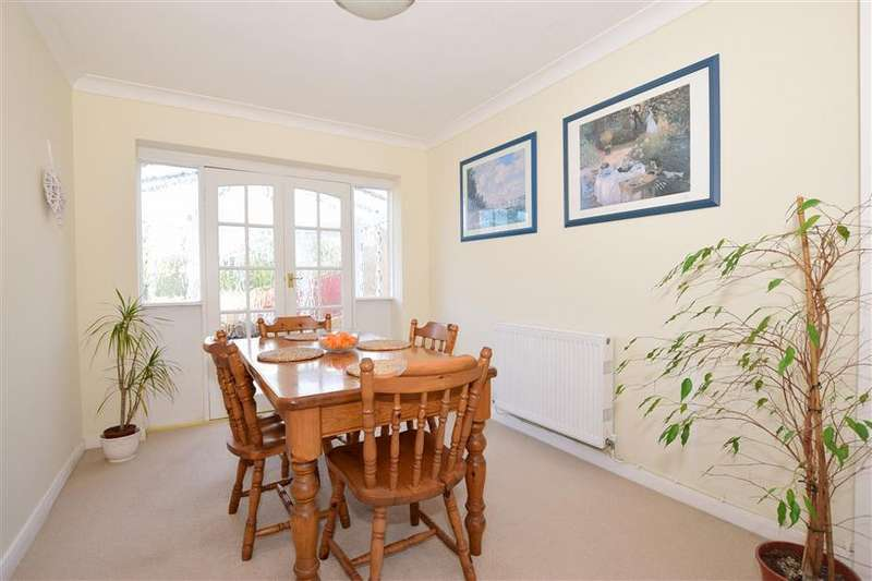 3 Bedrooms Semi Detached House for sale in Carter Avenue, Shanklin, Isle of Wight