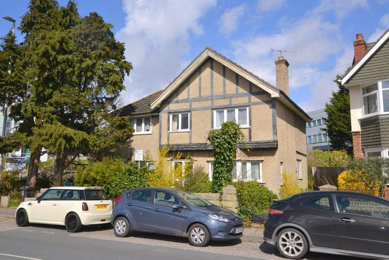 3 Bedrooms Detached House for sale in North Road, Poole Park, Poole