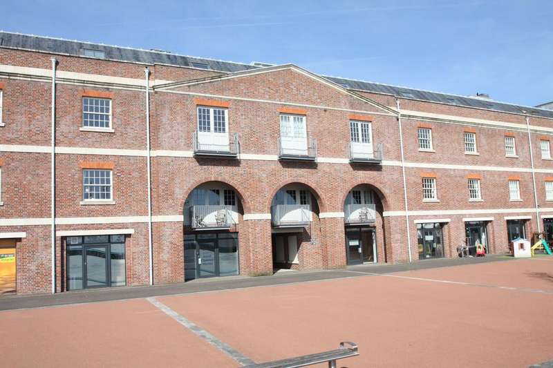 2 Bedrooms Apartment Flat for sale in Royal Clarence Marina, Salt Meat Lane, Gosport PO12