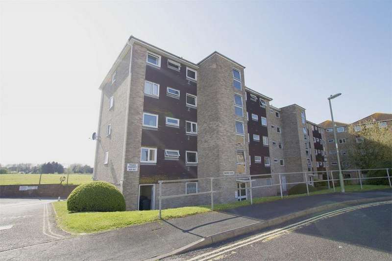 2 Bedrooms Flat for sale in Milford Court, Gale Moor Avenue, Gomer, Hampshire