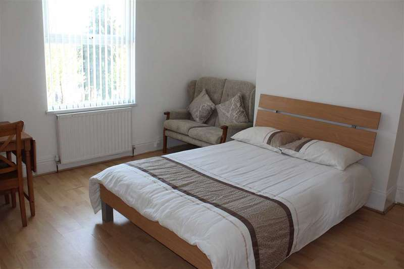 1 Bedroom House Share for rent in Dover Street, Bilston