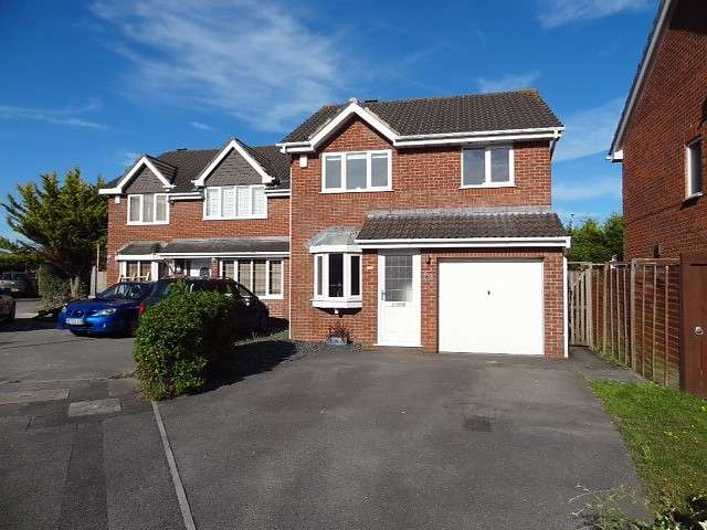 3 Bedrooms Detached House for sale in Canford Heath West