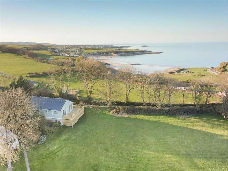 3 Bedrooms Lodge Character Property for sale in Penrhyn Point Holiday Park, Benllech, Isle Of Anglesey