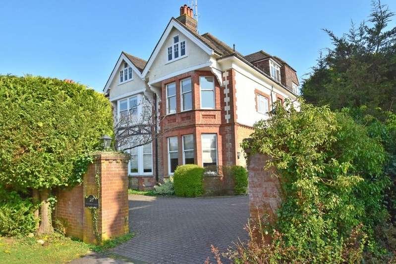 2 Bedrooms Apartment Flat for sale in Busbridge