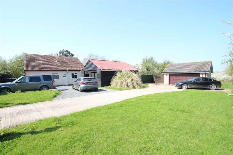 4 Bedrooms Bungalow for sale in Outspan, Dairy Farm Meadow, St Osyth