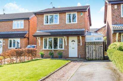 3 Bedrooms Detached House for sale in The Paddock, Knaresborough, North Yorkshire, .