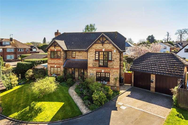 4 Bedrooms Detached House for sale in Bourne Way, Woking, Surrey, GU22