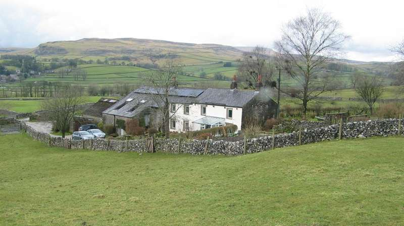 6 Bedrooms Farm House Character Property for sale in Wood House Farm, Austwick LA2 8BZ