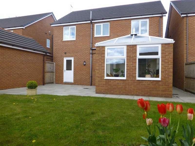 4 Bedrooms Detached House for sale in Queens Court, Bradley, Wrexham