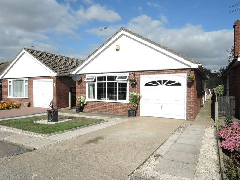 2 Bedrooms Detached Bungalow for sale in Cypress Close, Clacton-on-Sea
