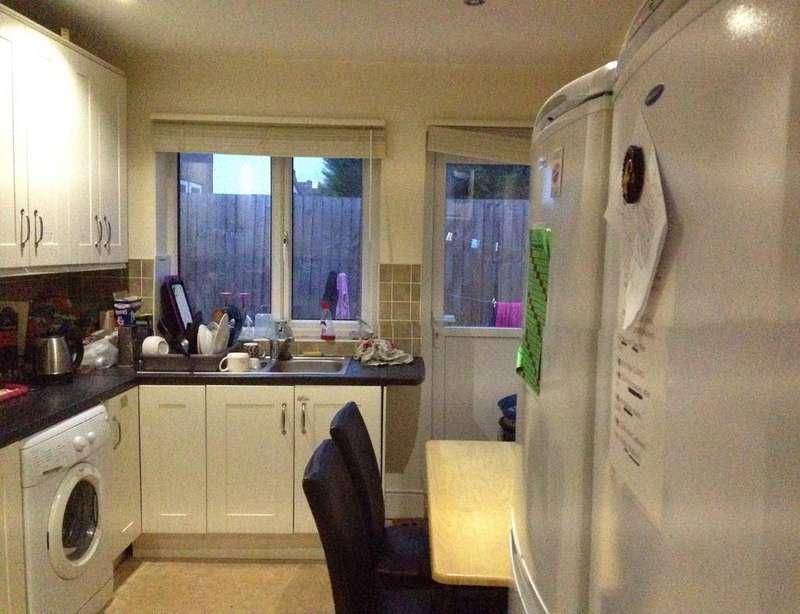 4 Bedrooms Detached House for sale in Westdown Road, Stratford, London, Stratford E15