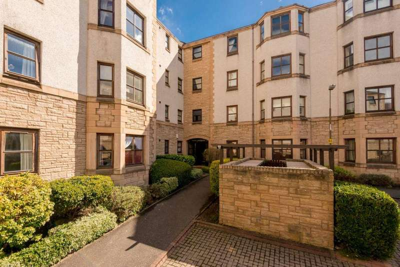 2 Bedrooms Flat for sale in 11/12 St Leonard's Lane, Edinburgh, EH8 9SD