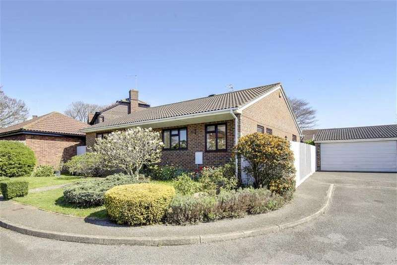 3 Bedrooms Detached Bungalow for sale in Rowan Close, Seaford