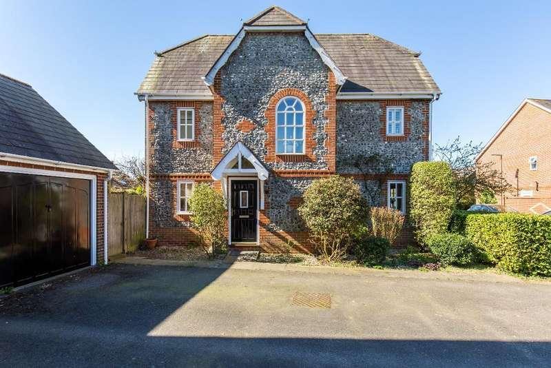 3 Bedrooms Detached House for sale in Dane Road, Warlingham, CR6 9NP
