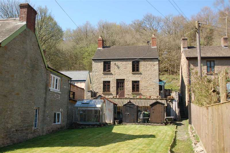 3 Bedrooms Detached House for sale in THE FOLLY, PARKEND