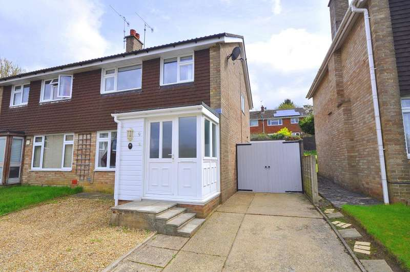 3 Bedrooms Semi Detached House for sale in Poulner, Ringwood, Ringwood, BH24 1UH