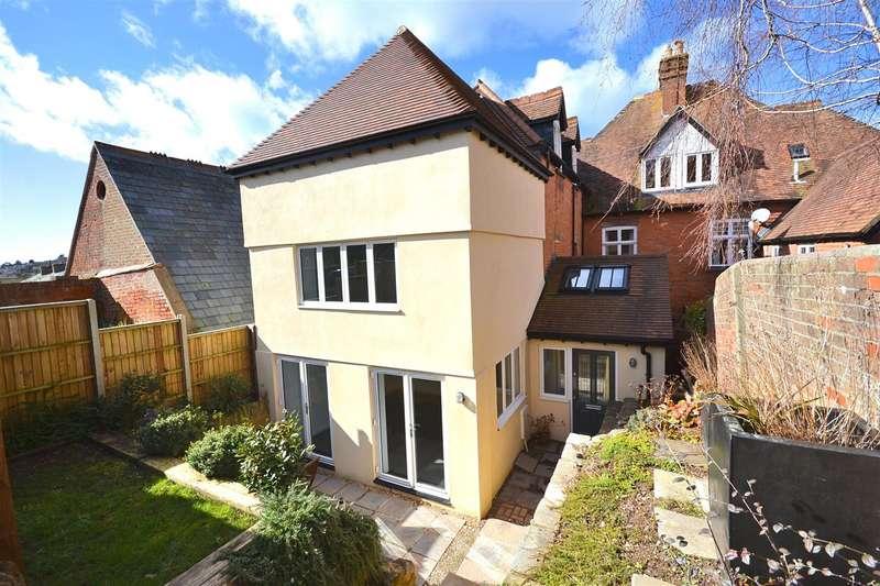 2 Bedrooms Property for sale in Victoria Grove, Bridport