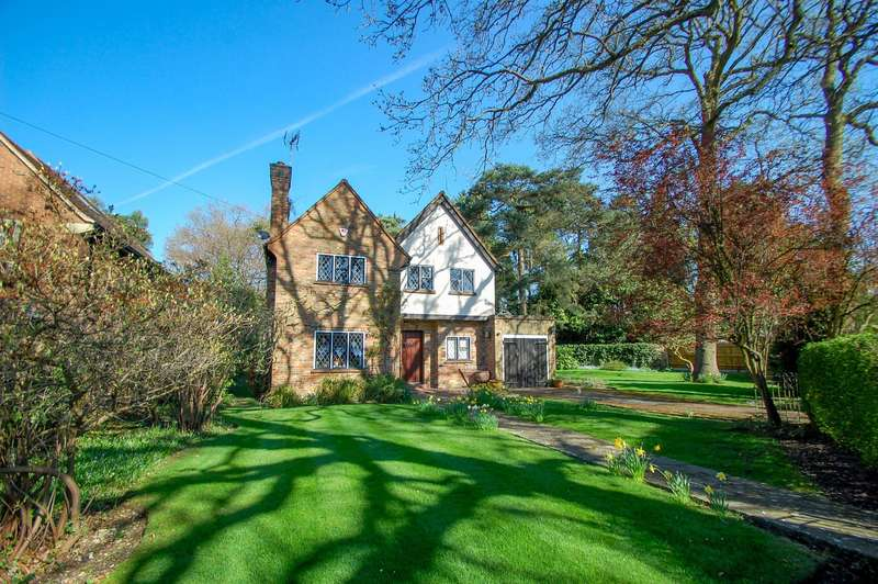3 Bedrooms Detached House for sale in Dukes Wood Avenue, Gerrards Cross, SL9