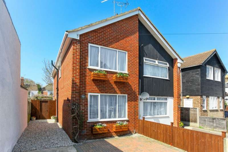 3 Bedrooms Semi Detached House for sale in Swanfield Road, Whitstable, CT5