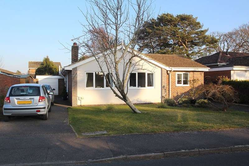 3 Bedrooms Detached Bungalow for sale in East Lodge, Catisfield