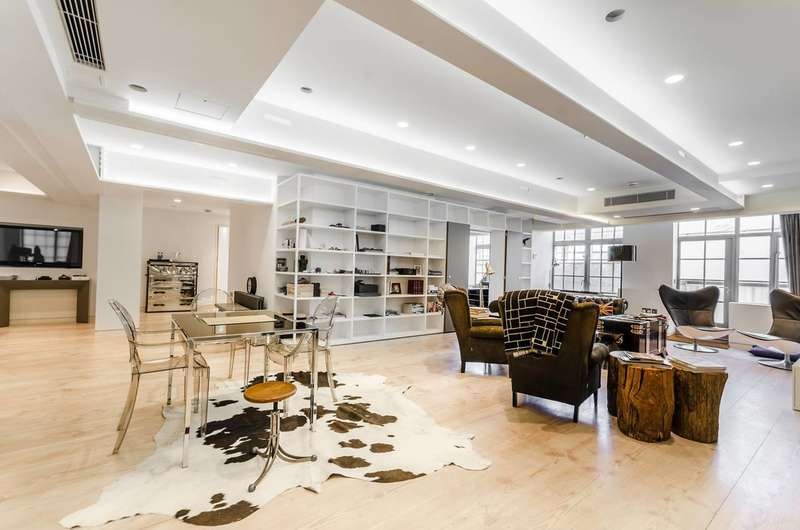 3 Bedrooms Flat for sale in Marshall Street, Soho, W1F