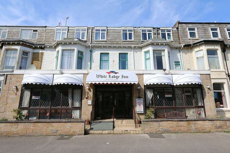 15 Bedrooms Guest House Commercial for sale in Withnell Road, Blackpool, Lancashire, FY4 1HE