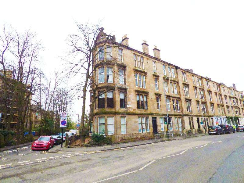 2 Bedrooms Flat for rent in Turnberry Road, Hyndland, Glasgow, G115AE