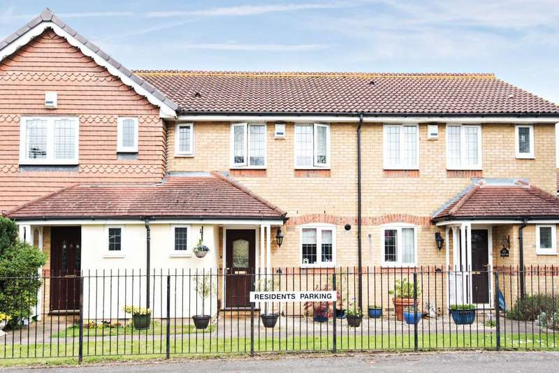 3 Bedrooms House for sale in Sherbourne Gardens, Shepperton, TW17
