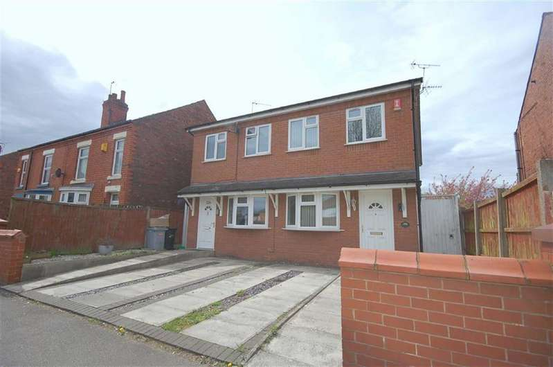 2 Bedrooms Semi Detached House for sale in Middlewich Street, Crewe