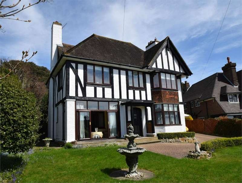 4 Bedrooms Detached House for sale in Selwyn Road, Eastbourne, East Sussex
