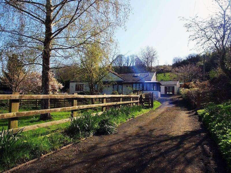 4 Bedrooms Detached Bungalow for sale in Llanellen, Abergavenny
