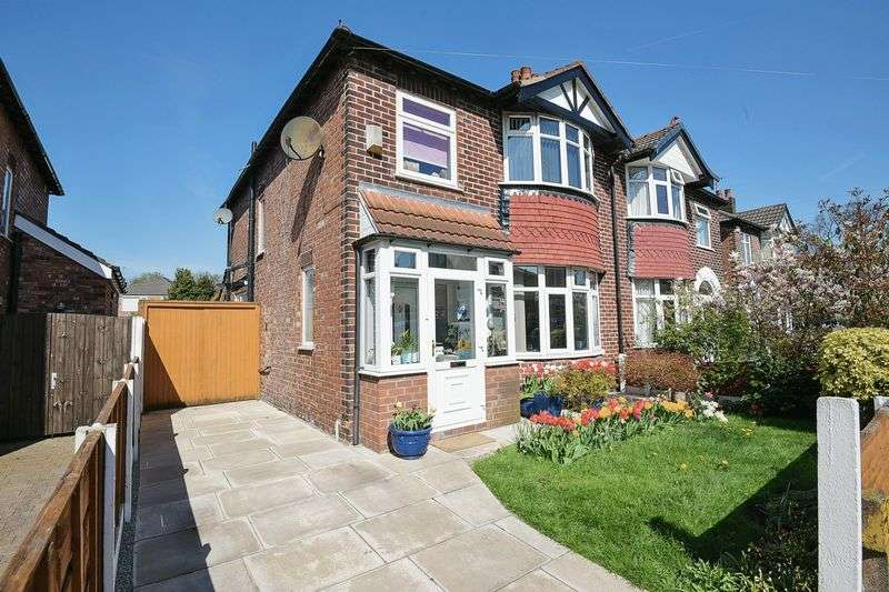 3 Bedrooms Property for sale in Windsor Drive, Altrincham