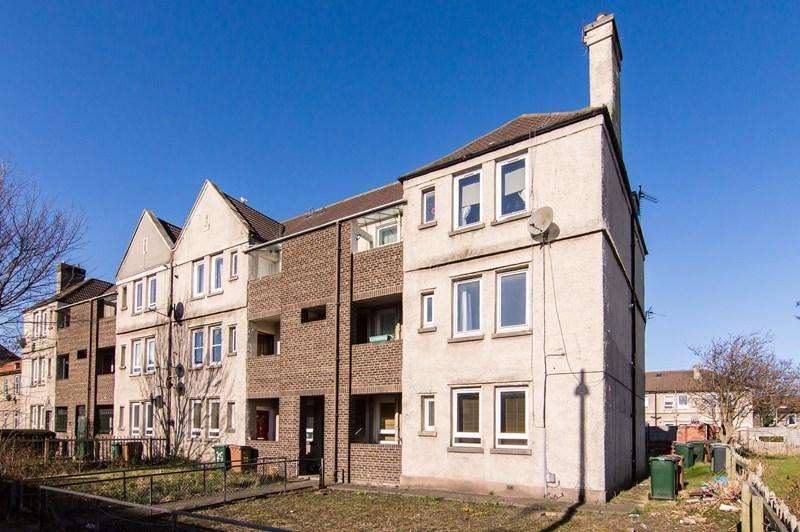 2 Bedrooms Property for sale in 29 Lochend Drive, Edinburgh, EH7 6DP