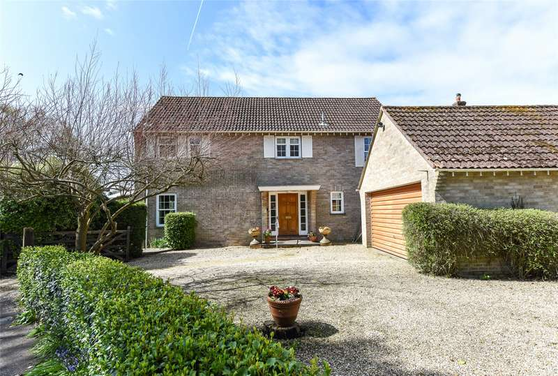 4 Bedrooms Detached House for sale in Kingsfield, Lymington, Hampshire, SO41