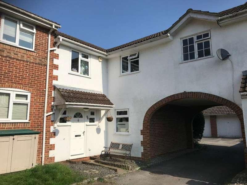4 Bedrooms Terraced House for sale in Albert Road, Bagshot, Surrey, GU19 5QJ