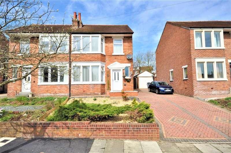 3 Bedrooms Semi Detached House for sale in Lindsay Avenue, Poulton le Fylde, Lancashire, FY6 8BQ