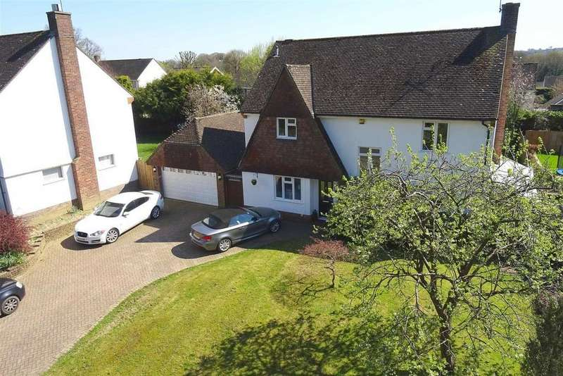 4 Bedrooms Detached House for sale in Old Horsham Road, Southgate