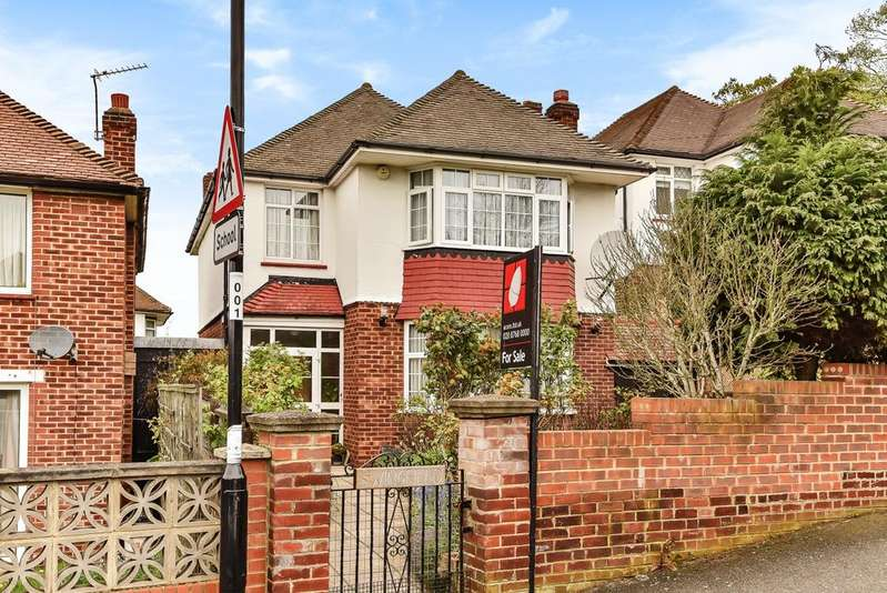 3 Bedrooms Detached House for sale in Spurgeon Road London SE19
